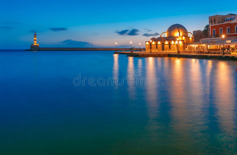 Cais Venetian da noite, Chania, Creta foto de stock royalty free