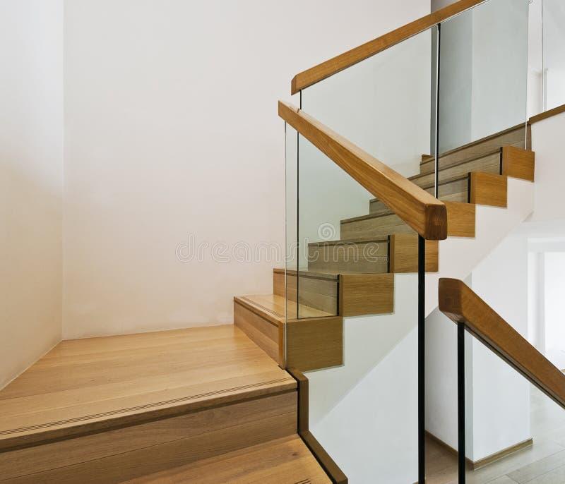 Caisse contemporaine d'escalier photos libres de droits