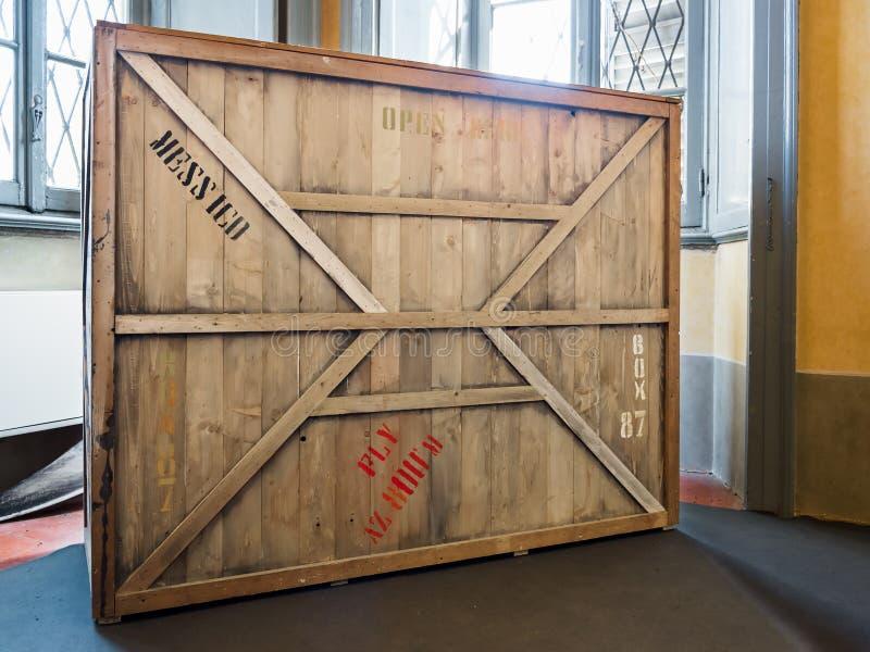 Caisse en bois de vintage photographie stock libre de droits
