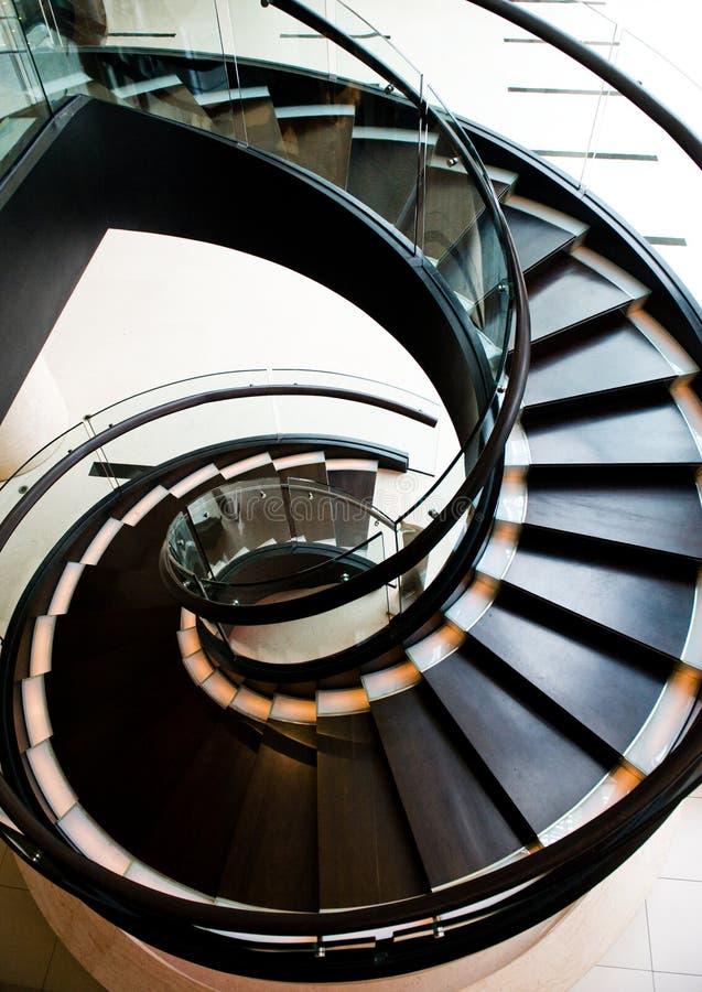 Caisse spiralée d'escalier image stock