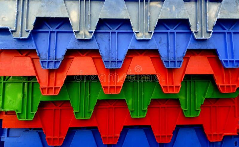 Caisses colorées d'expédition photo libre de droits