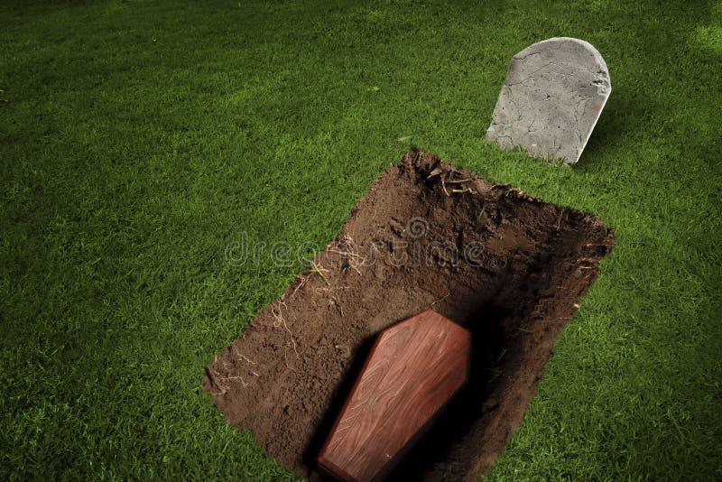 Caixão ou túmulo no cemitério fotografia de stock