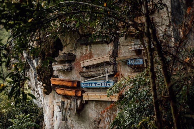 Caix?es de suspens?o de Sagada, Filipinas fotos de stock