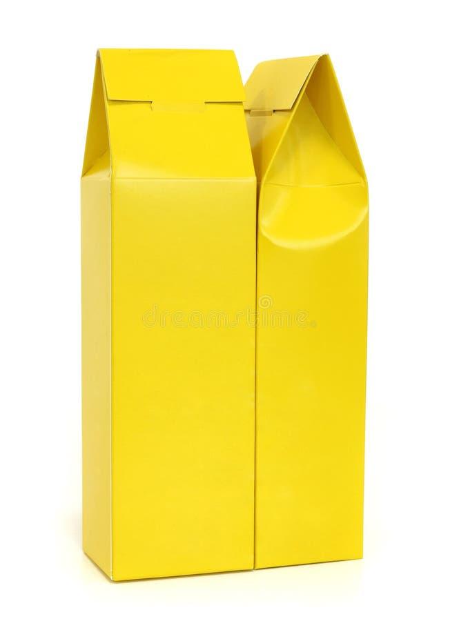 Download Caixa Amarela Do Pacote Isolada Imagem de Stock - Imagem de novo, anunciar: 26504301