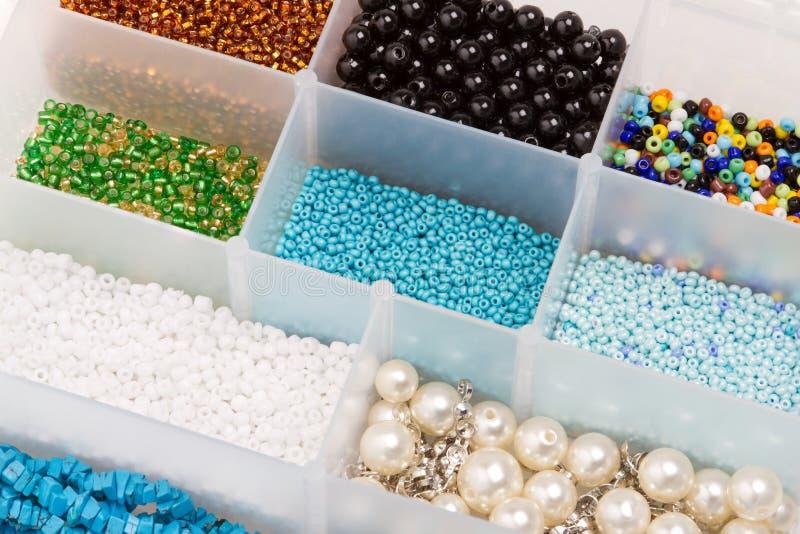 Caixa com grânulos fotografia de stock royalty free
