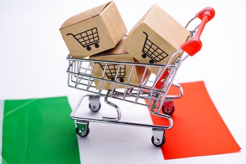Caixa com logotipo do carrinho de compras e bandeira de Itália: Exportação da importação que compram em linha ou transporte do pr fotos de stock