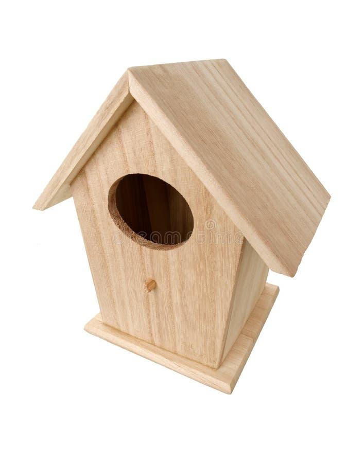 Caixa de assentamento de madeira do pássaro imagens de stock royalty free