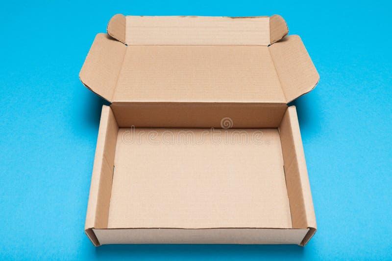 Caixa de cartão aberta, pacote livre da entrega, vista superior foto de stock royalty free
