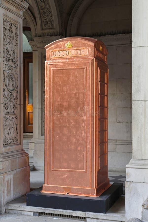 Caixa de cobre do telefone imagens de stock royalty free