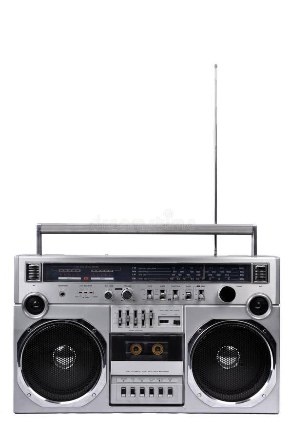 caixa de crescimento de prata do rádio do gueto dos anos 80 com a antena isolada acima em w imagem de stock