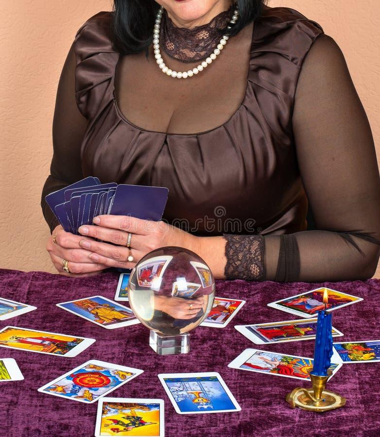 Caixa de fortuna da mulher fotografia de stock royalty free