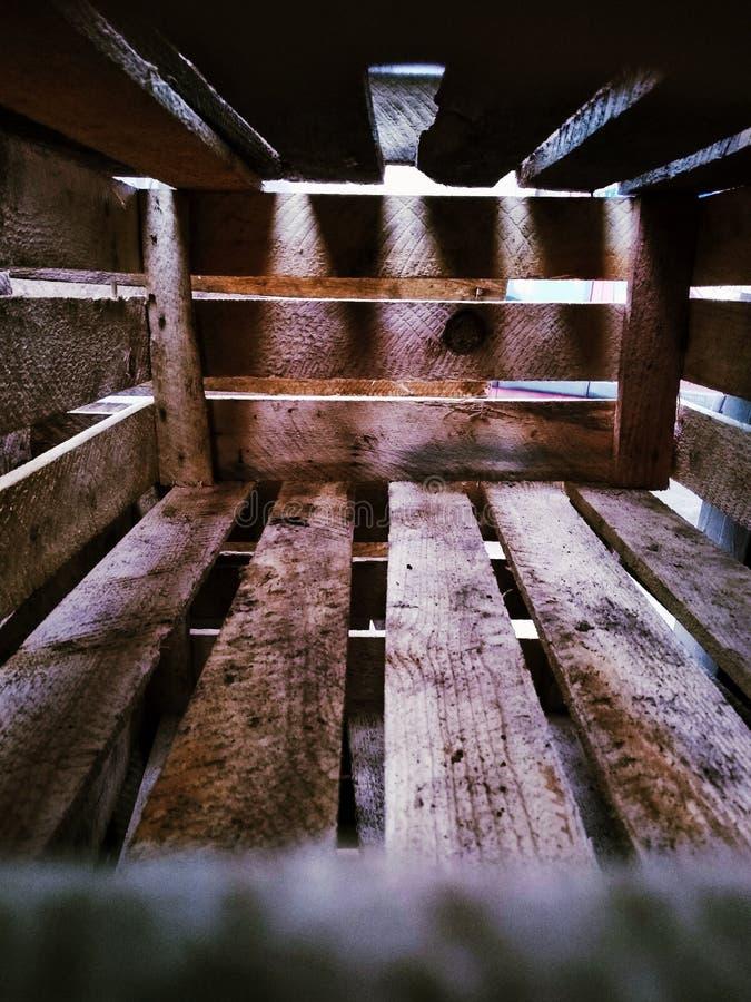 Caixa de madeira isolada fotografia de stock