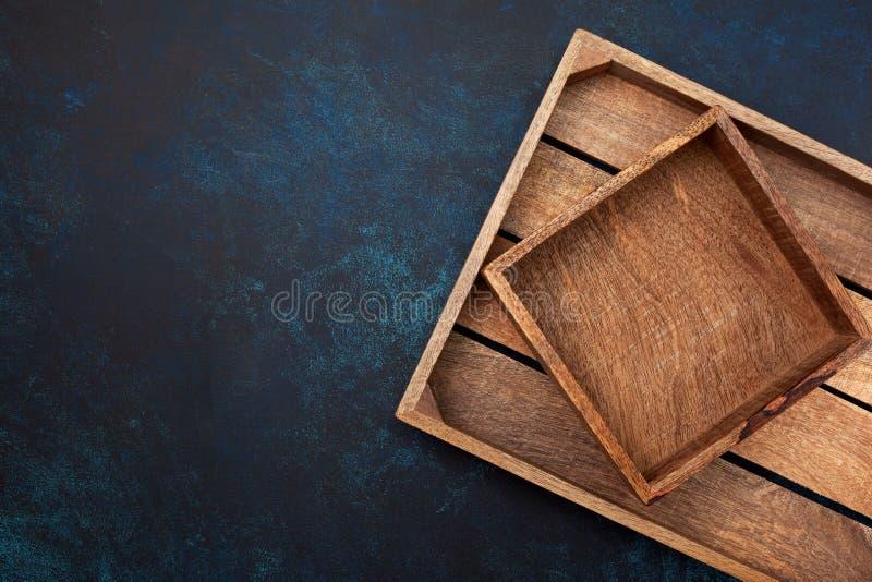 Caixa de madeira vazia imagens de stock