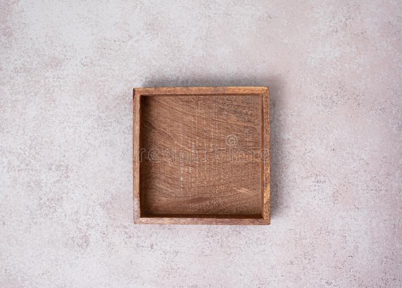 Caixa de madeira vazia foto de stock