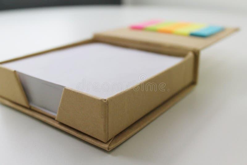 Caixa de papéis do memorando fotos de stock