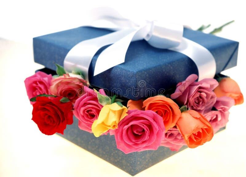 Download Caixa de presente foto de stock. Imagem de presente, decoração - 106494