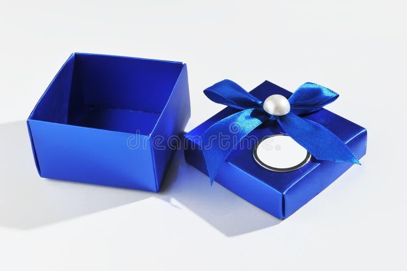 Caixa de presente aberta fotografia de stock royalty free