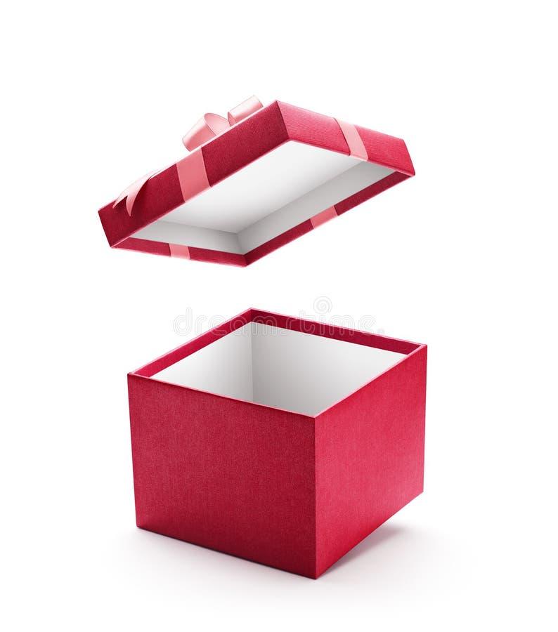 Caixa de presente aberta do vermelho isolada imagens de stock royalty free