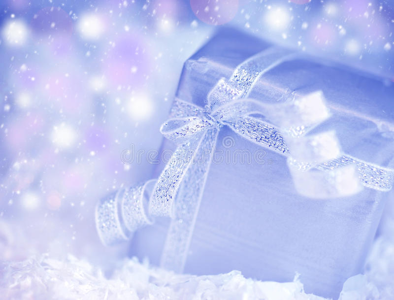 Caixa de presente atual imagens de stock royalty free