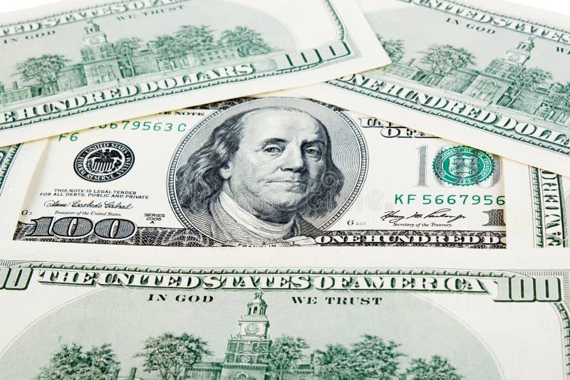 Caixa de presente e lotes dos dólares imagem de stock royalty free