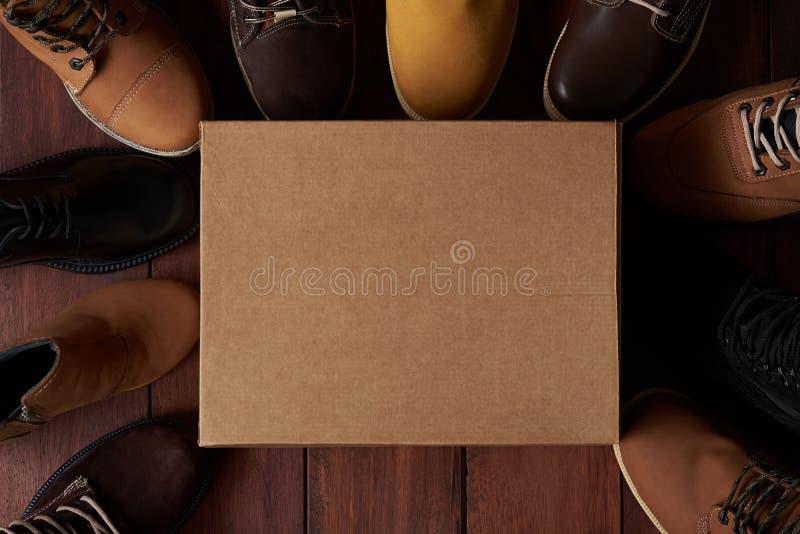 Caixa de sapata limpa dos desenhos animados fotografia de stock