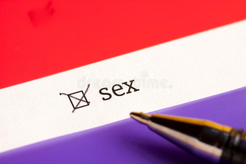 Caixa de seleção verificada com sexo da palavra Conceito do questionário foto de stock royalty free