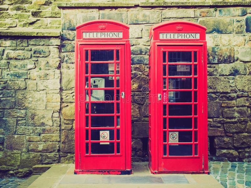 Caixa de telefone retro de Londres do olhar imagem de stock royalty free