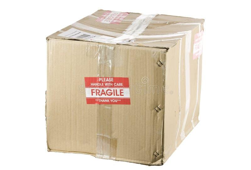 Caixa de transporte frágil isolada no branco imagens de stock royalty free