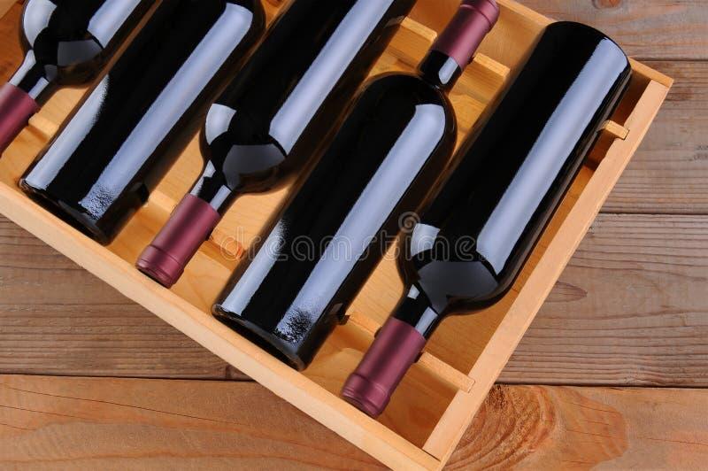 Caixa do vinho de Cabernet fotografia de stock royalty free