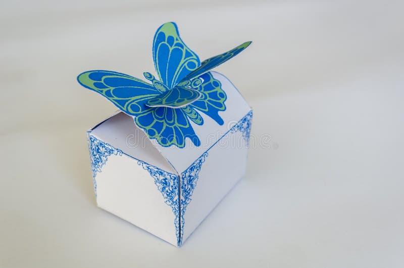 Caixa fechado do favor da borboleta de JG ilustração stock