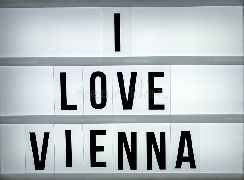 Caixa leve eu amo Viena fotos de stock
