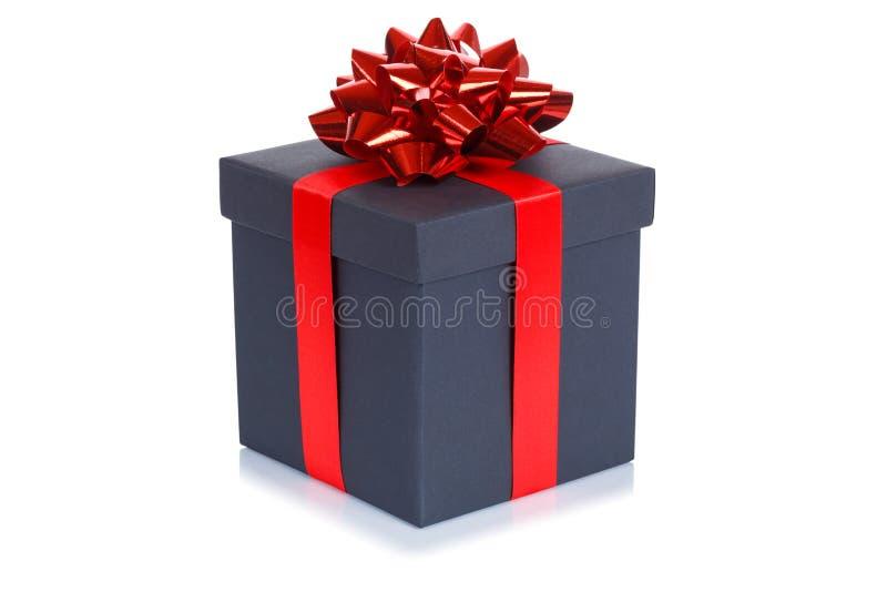 Caixa negra do presente de Natal do presente de aniversário isolada no fundo branco foto de stock
