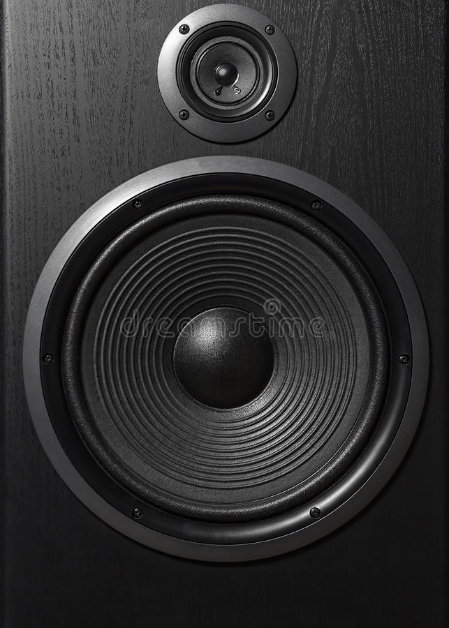 Caixa preta de alta fidelidade do orador alto no fim acima Equipamento audio profissional fotos de stock royalty free