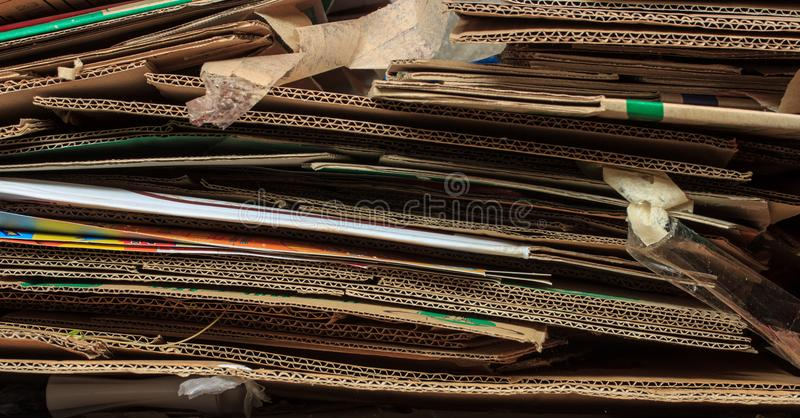 Caixa reciclada marrom empilhada foto de stock royalty free