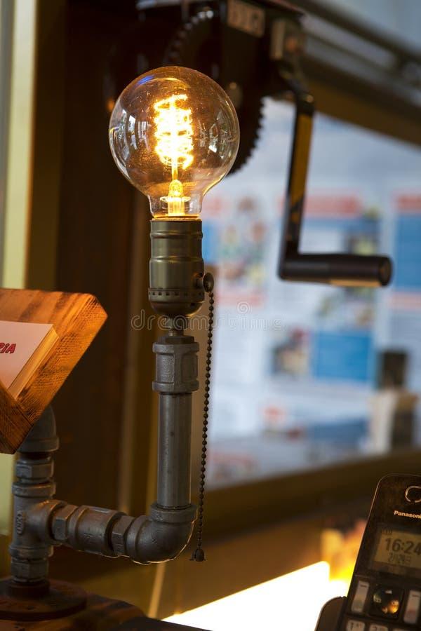 Caixa registadora, iluminação, estilo retro, industrial, bulbo do tungstênio, imagem de stock