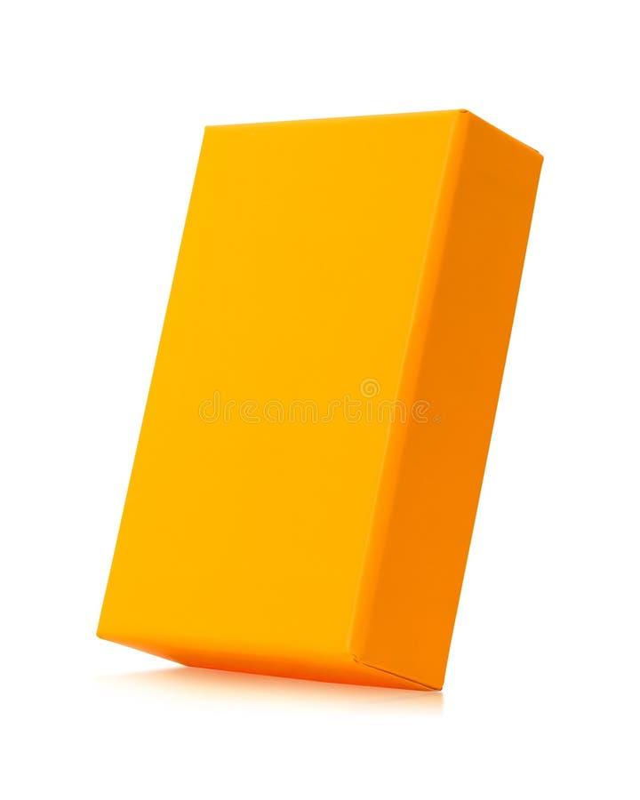Caixa vazia isolada no fundo branco Pacote alaranjado do produto para seu projeto Objeto dos trajetos de grampeamento Forma do re ilustração stock