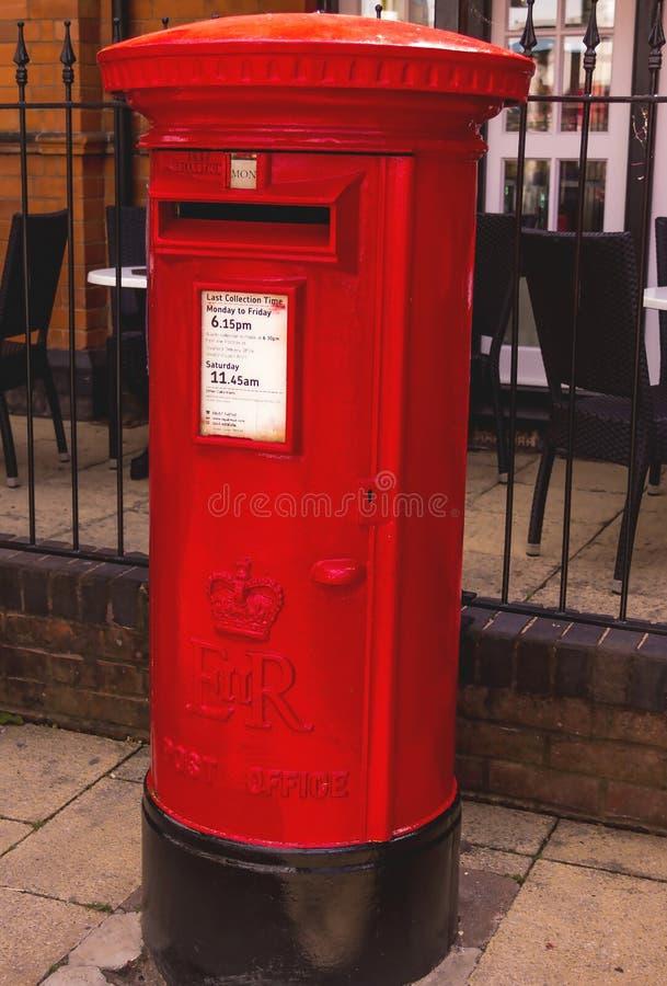 Caixa vermelha britânica do borne fotografia de stock