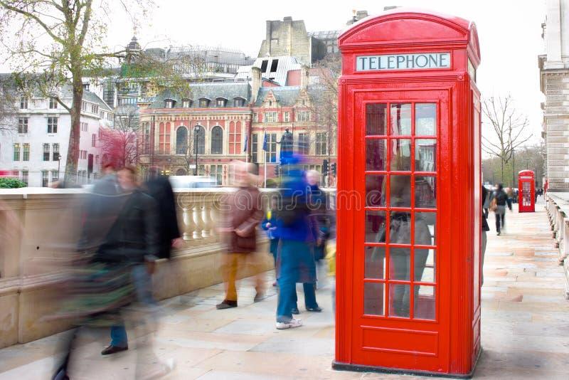 Caixa vermelha do telefone de Londres fotografia de stock royalty free