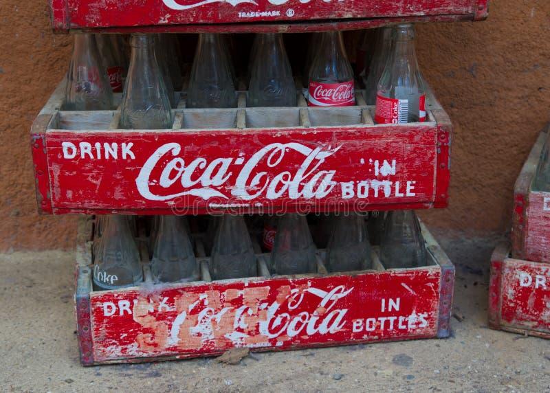 Caixas da coca-cola do vintage fotografia de stock royalty free