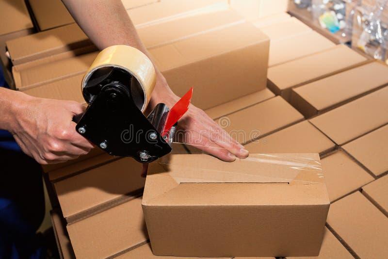 Caixas de embalagem de uma caixa foto de stock