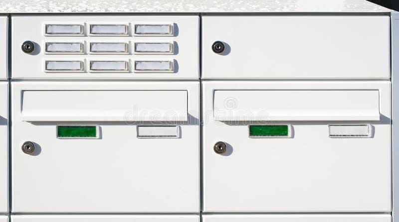 Download Caixas de letra imagem de stock. Imagem de mailbox, completamente - 29842849