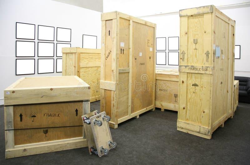 Caixas de madeira e quadros fotos de stock