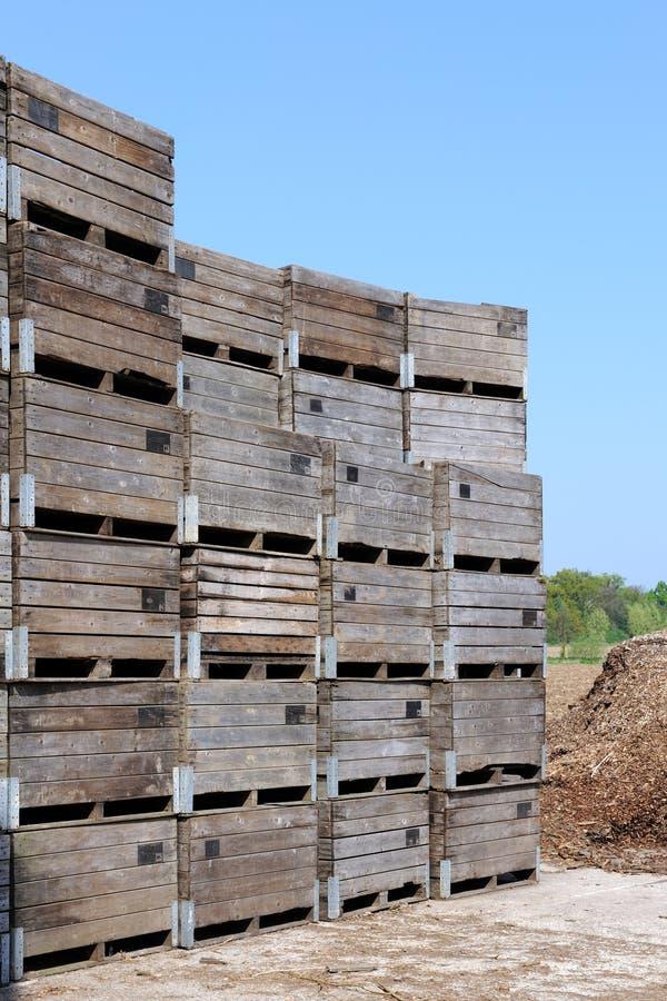 Caixas de madeira para o transporte fotografia de stock