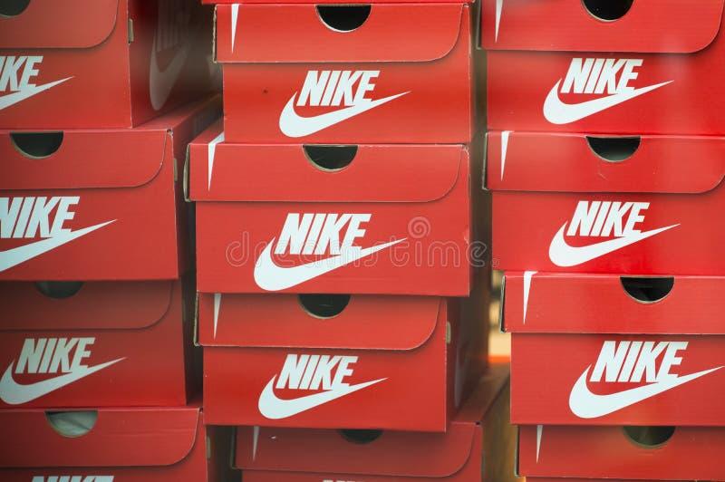 Caixas de Nike fotografia de stock royalty free