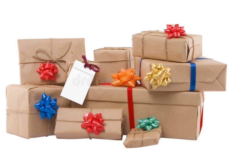 Caixas de presente com fita e etiqueta em branco fotos de stock royalty free
