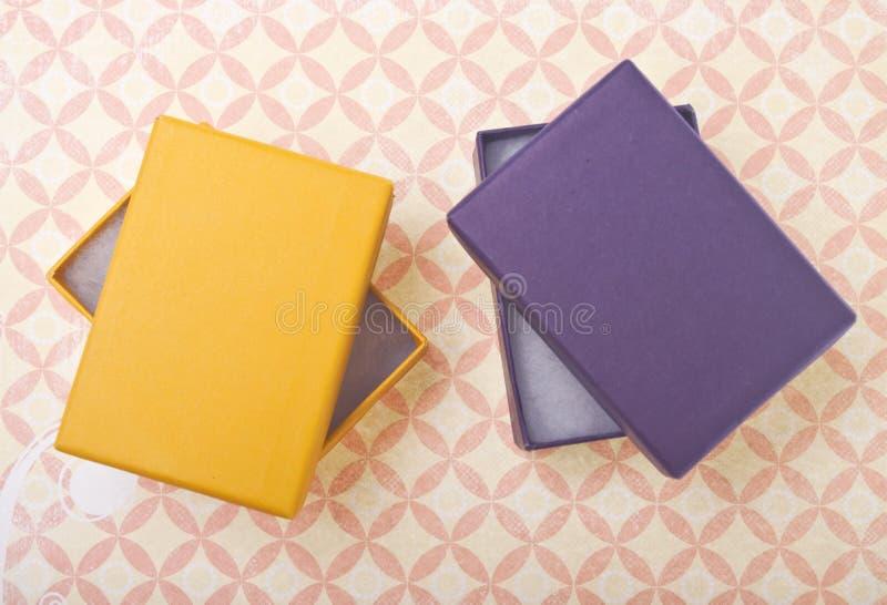 Caixas de presente vibrantes fotografia de stock royalty free