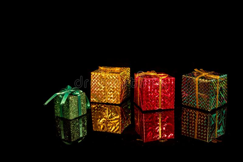 Caixas de presentes coloridas imagem de stock royalty free