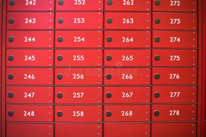 Caixas vermelhas do borne fotos de stock royalty free