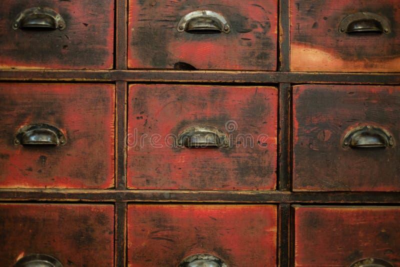Cajón/gabinete de madera viejos - muebles del vintage fotografía de archivo
