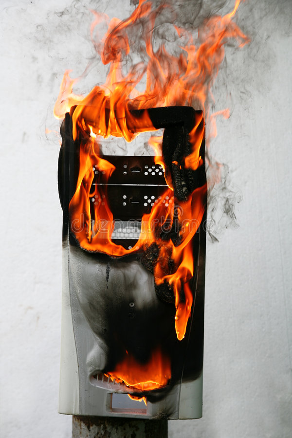 Caja ardiente del ordenador imágenes de archivo libres de regalías